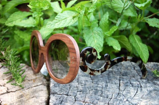 Gafas de madera están en el olimpo de las gafas